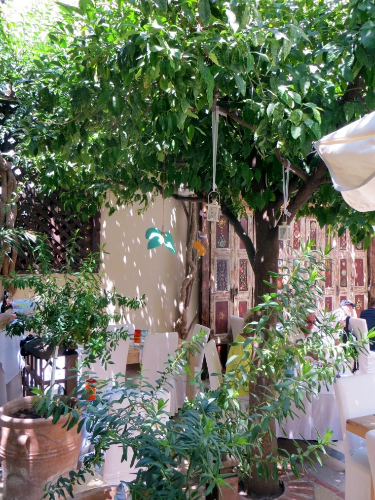 Avli restaurant Rethymno the courtyard
