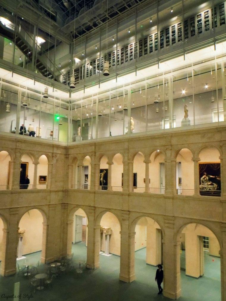 Harvard Art Museum piazza